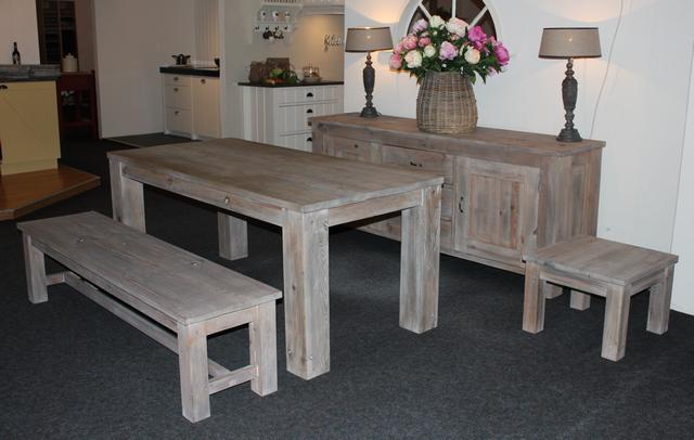 Landelijke meubelen woonaccessoires castelo en houten vloeren - Eetkamer bankje ...